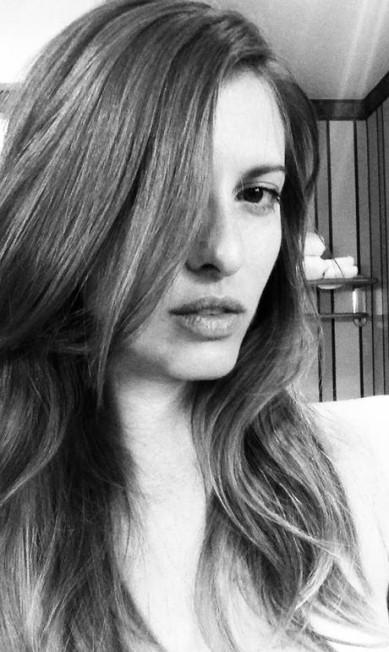 """Adriana Caye: """"Ele deve ser engraçado e curtir as mesmas coisas que eu"""" Reprodução/ Facebook"""