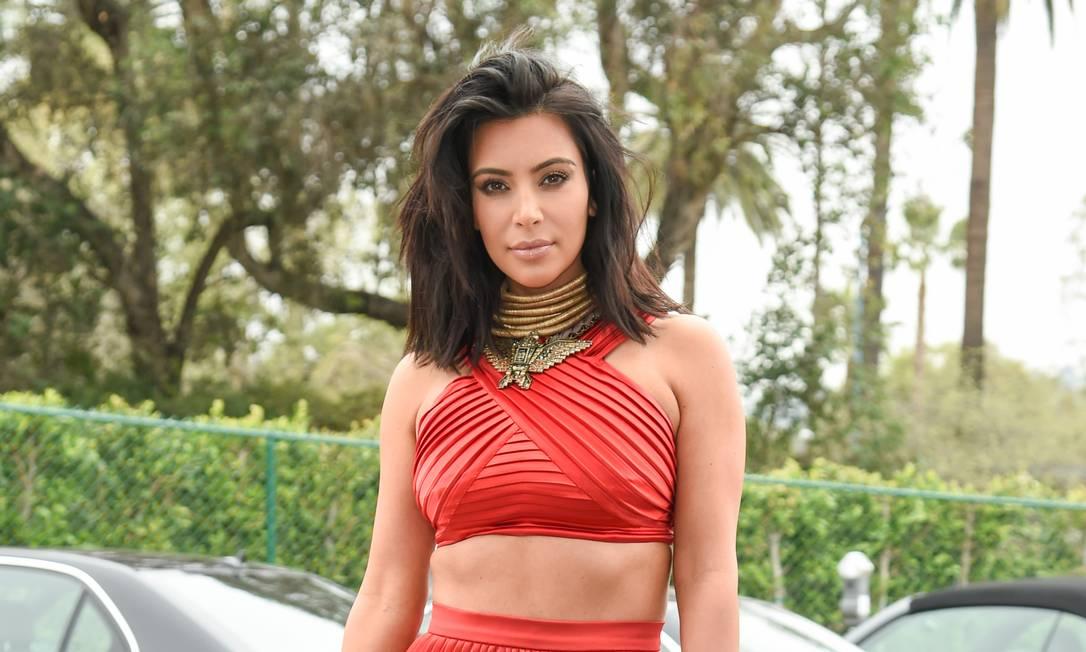 Kim Kardashian e seu novo look Foto: Rob Latour / Rob Latour/Invision/AP