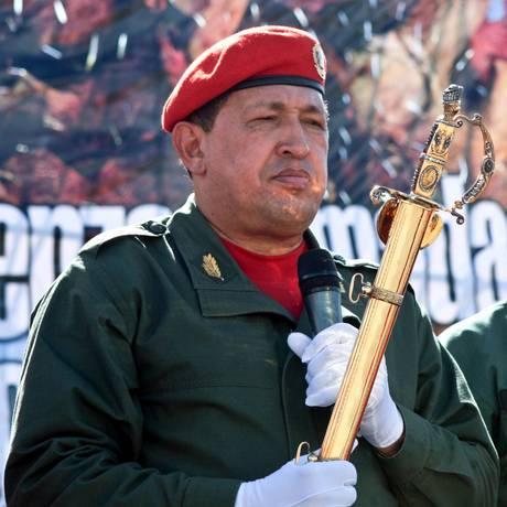 Chávez participa de cerimônia militar em Caracas Foto: HO / AFP/04-02-2010