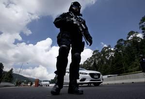 Polícia Federal mexicana patrulha posto no Oeste da Cidade do México Foto: Marco Ugarte / AP