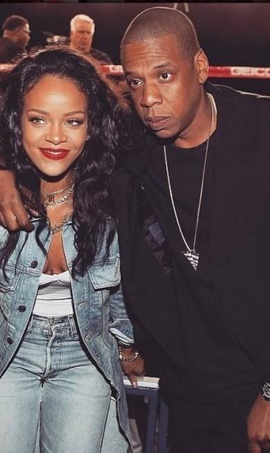 Rihanna e Jay-Z: cantora esteve em evento de boxe do rapper Reprodução Instagram