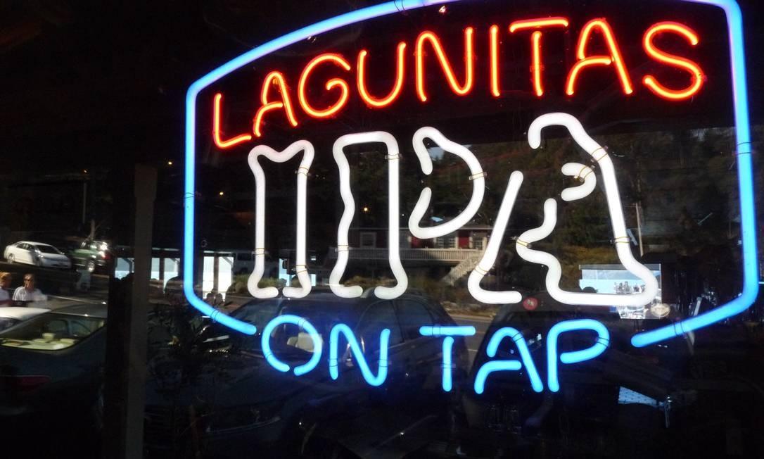 Letreiro da Lagunitas IPA, cerveja artesanal local Foto: Paulo Motta / Paulo Motta