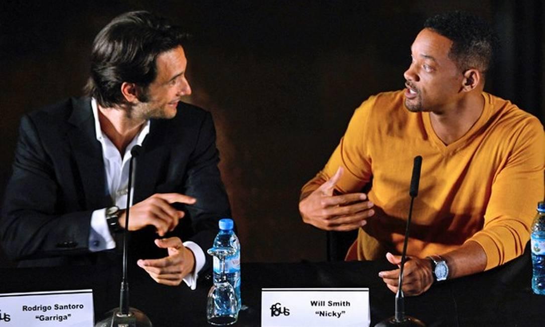 """Com o americano Will Smith na coletiva de """"Golpe Duplo"""" Divulgação"""