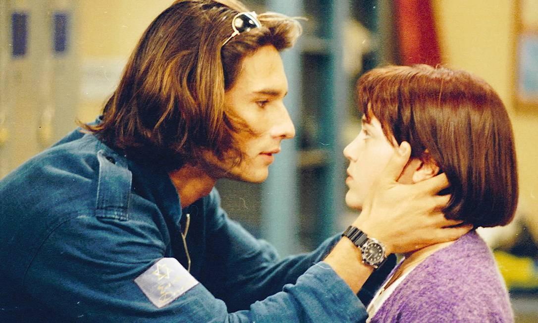 """Com Natália Lage na novela """"O amor está no ar"""", <EP,1>em seu primeiro papel principal (1997) Foto: Divulgação"""