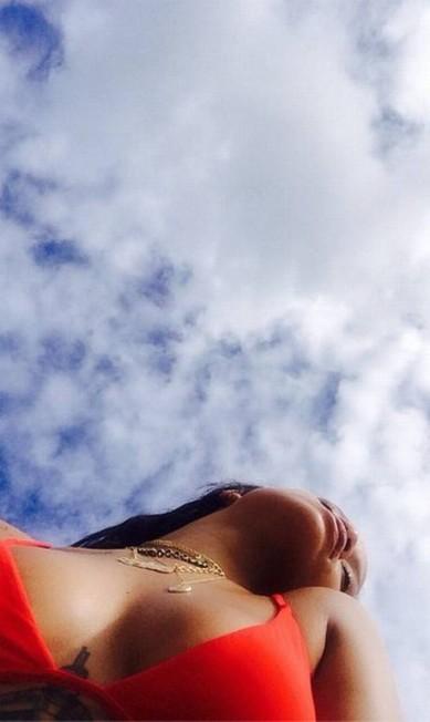 Mais de Rihanna de biquíni Reprodução/ Instagram