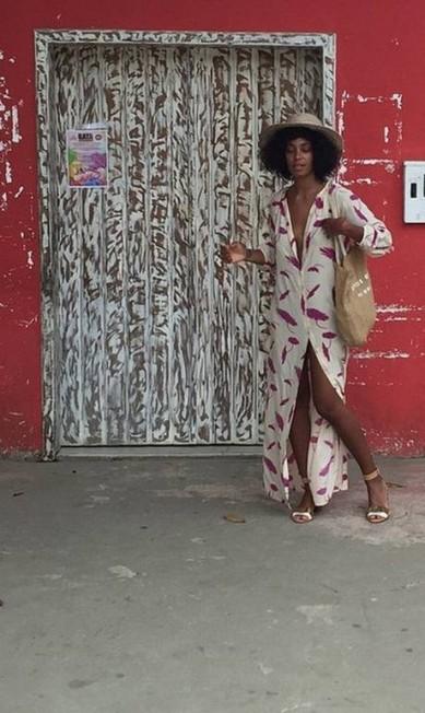 Solange também trouxe peças estampadas para sua lua de mel na Bahia Reprodução/ Instagram
