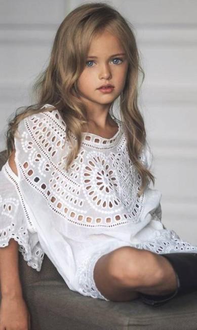 Modelo desde os três anos, a menina já desfilou para marcas como Roberto Cavalli, Dolce & Gabbana, Armani e Benetton Reprodução