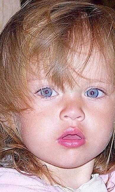 A pequena Kristina quando bebê Instagram
