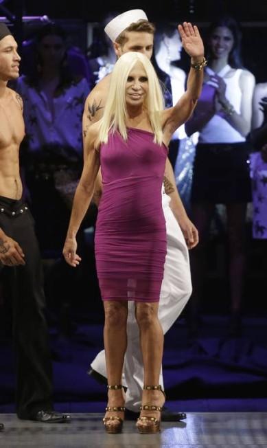 A grande sensação da noite foi Donatella Versace, que apresentou a coleção da maison italiana em parceria com a rede de fast fashion Riachuelo Nelson Antoine / AP
