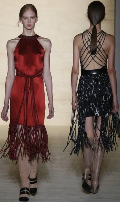 Reinaldo Lourenço, que se inspirou em Florença, trouxe um vestido de festa no tom vermelho Andre Penner / AP
