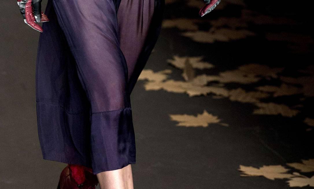 A Cavalera trouxe às passarelas uma série de abotinados com lã colorida NELSON ALMEIDA / AFP