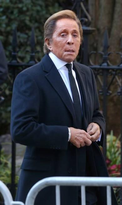 O estilista italiano Valentino Garavani também compareceu ao funeral Jemal Countess / AFP