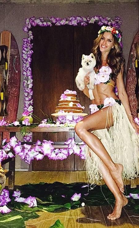 A paulista inclusive aproveitou a data para fazer uma superfesta com temática havaiana num resort em Alagoas Instagram