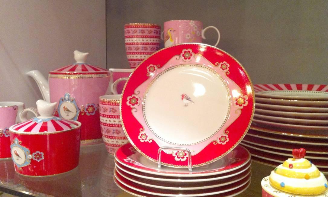 A Poire tem uma linha home com estilo clássico. As porcelanas são uma graça Divulgação