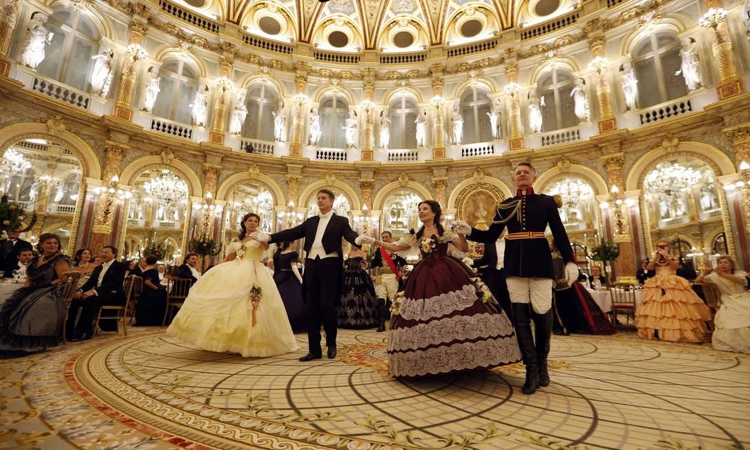 A festa aconteceu no Grand Hotel de Paris e foi organizada pela lOeuvre des Saints Anges FRANCOIS GUILLOT / AFP