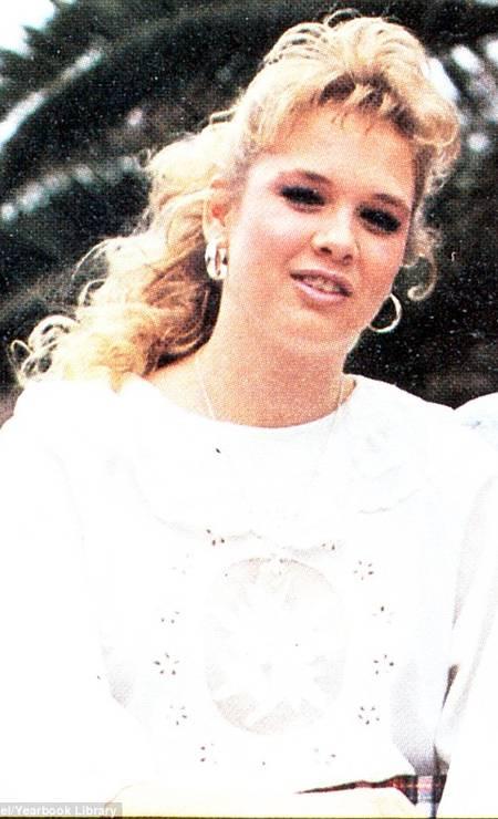 Foto de 1987: antes da fama e com visual oitentinha Foto: Reprodução/Seth Poppel/Yearbook Library