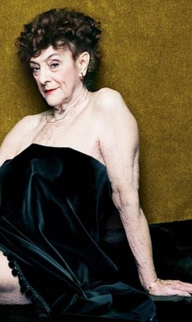 """Elas certamente ficam na memória como mulheres jovens sexy, lindas. Mas ninguém está livre do mundo - nem mesmo essas pessoas que ficam em nosso imaginário como exemplos de beleza e sex appeal. Por isso, a """"New York Magazine"""" procurou coelhinhas da Playboy que atuaram nas décadas de 1950, 1960 e 1970 para posarem relativamente parecidas com os aures anos. A mais velha a topar o desafio foi Dolores Del Monte, hoje com 82, que posou para o calendário da revista em 1954 New York Magazine / Divulgação"""