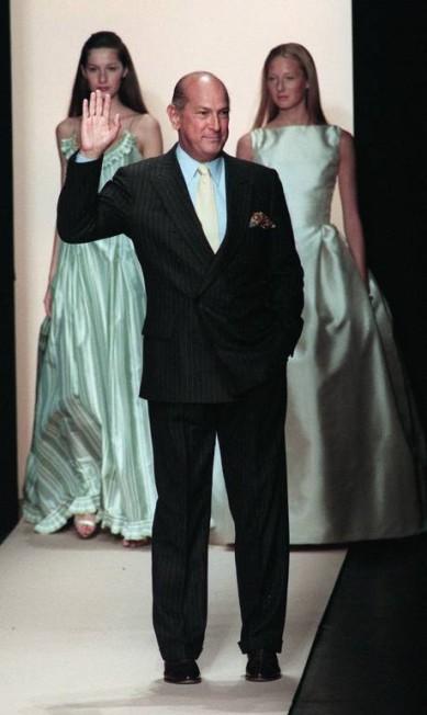 Oscar no desfile de verão de 1999, em Nova York STAN HONDA / AFP