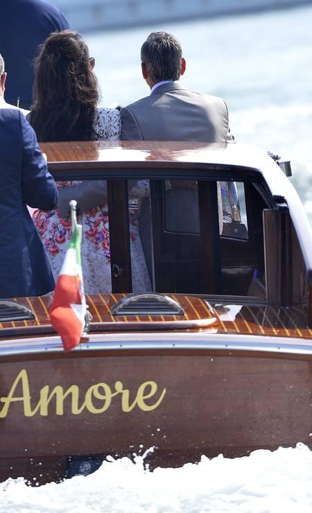"""Os dois passeiam no barco """"Amore"""" ANDREAS SOLARO / AFP"""