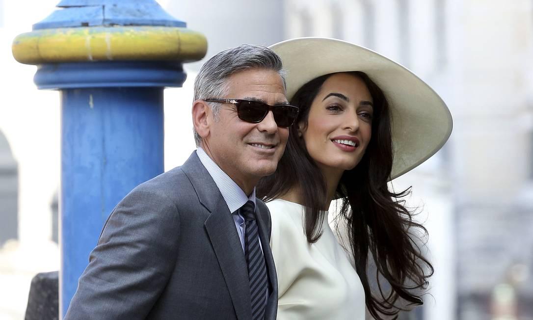 Mais um clique do casal antes da cerimônia civil ALESSANDRO BIANCHI / REUTERS