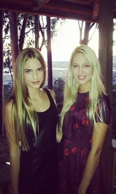 Três anos mais nova, a prima Talita von Furstenberg, é uma das companhias favoritas de Olympia Instagram