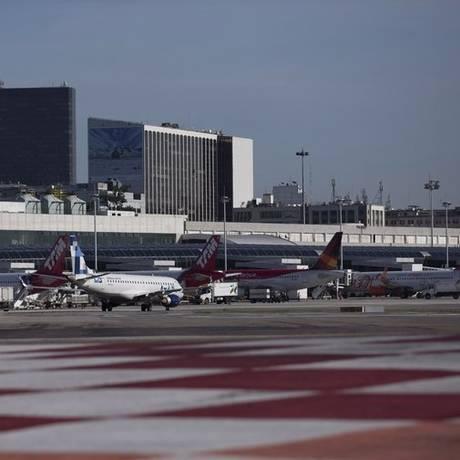 Ponte aérea Rio-São Paulo: empresas ajustam rede de voos na crise Foto: Márcia Foletto