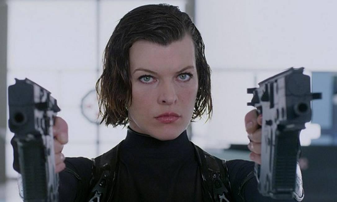 """Outra top consagrada no cinema é Milla Jovovich, que fez sua primeira participação no cinema em 1988, no filme """"Um Toque de Sedução"""", quando começou a despontar como modelo de sucesso. Hoje, ela é o grande nome da franquia """"Resident Evil"""" Divulgação"""