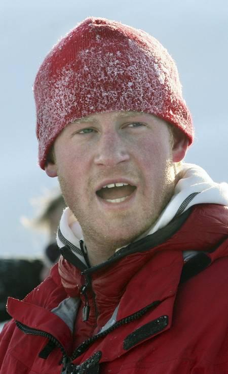 Harry durante expedição à ilha de Spitsbergen, entre a Noruega e o Polo Norte, em 2011 Foto: POOL/David Cheskin / REUTERS
