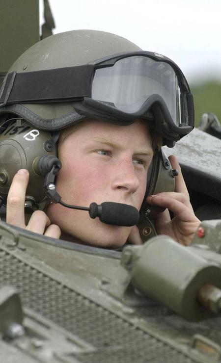 Em 2006, durante o serviço militar: aos 22 anos, príncipe tornou-se piloto da força aérea britânica Foto: Steve Dock / AFP PHOTO/STEVE DOCK