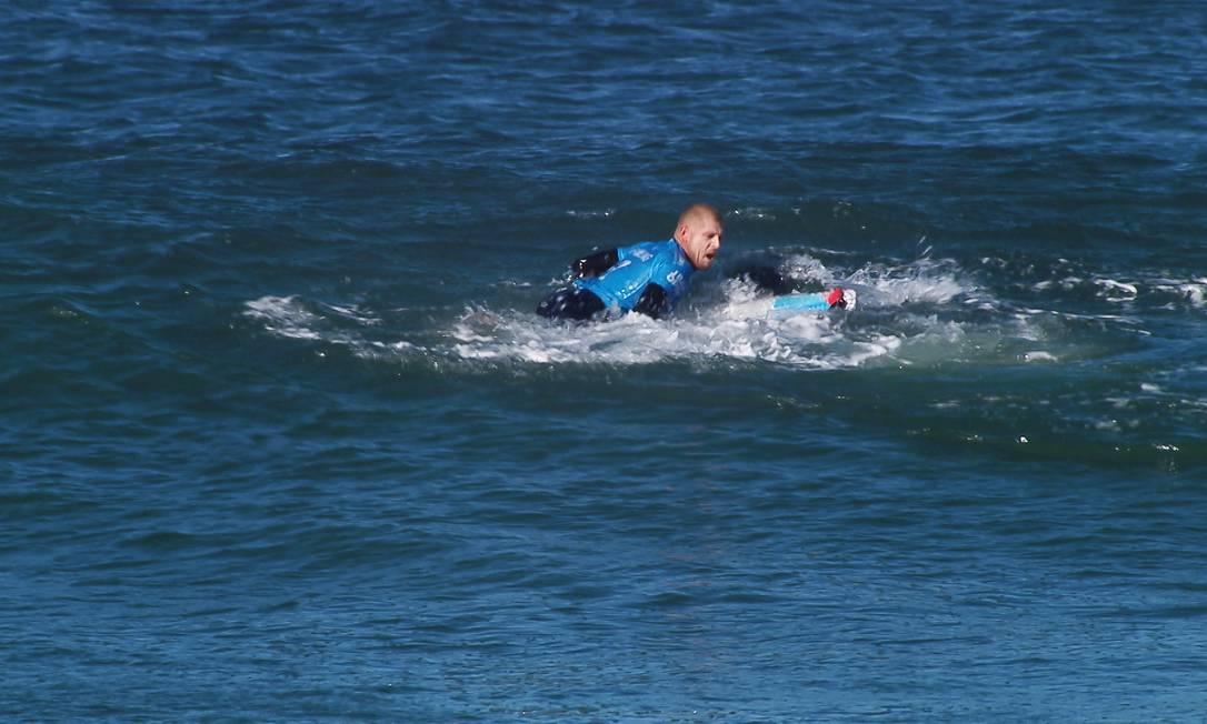 Assustado, Fanning ainda deu chute no tubarão para escapar do ataque Kirstin SCholtz / .