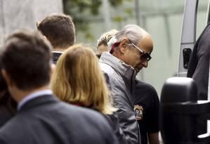 Presidente da Andrade Gutierrez, Otávio Marques de Azevedo, deixa a sede da PF em São Paulo - 19/05/2015 Foto: Francio de Holanda / REUTERS