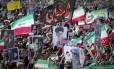 Iranianos comemoram acordo nuclear que prevê suspensão de sanções contra o país