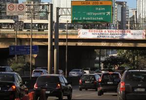 d48ab9368 Marginais Pinheiros e Tietê têm limite de velocidade reduzido em São Paulo