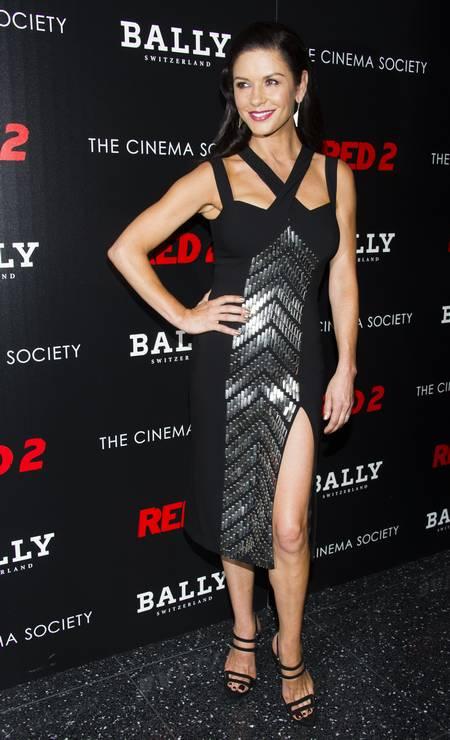 As pernas exuberantes de Catherine Zeta-Jones Charles Sykes / Charles Sykes/Invision/AP
