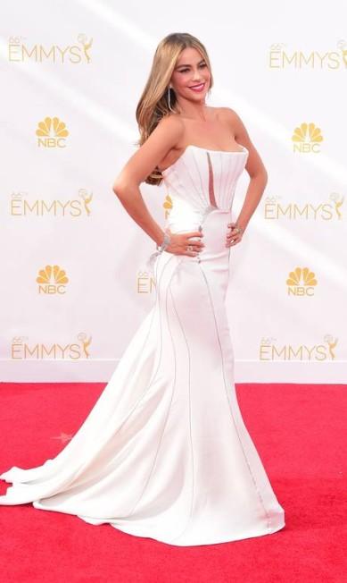 Ainda no Emmy, Sofia Vergara, 42 anos, marcou suas curvas com vestido sexy do italiano Roberto Cavalli FREDERIC J BROWN / AFP