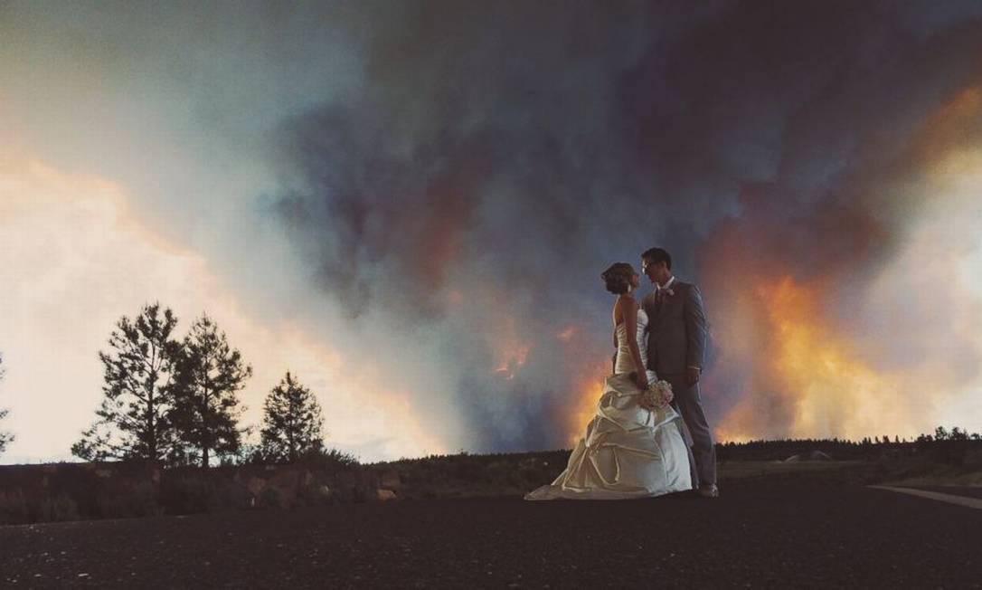 Com um incêndio natural no Rock Springs Ranch, em Oregon, nos EUA Josh Newton