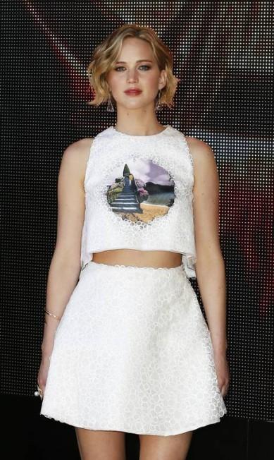 O cabelo curto de Jennifer Lawrence também foi lembrado pelas angels Alastair Grant / AP