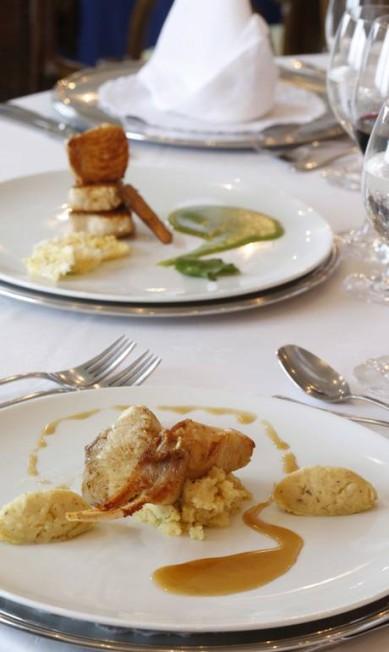 O chef Claudio Procópio, do navio Iberostar Grand Amazon, faz pratos sofisticados usando ingredientes locais, como tambaqui, pirarucu e até tartaruga e jacaré. Para ele o segredo está em pesquisar os segredos dos ribeirinhos Ana Branco / Agência O Globo