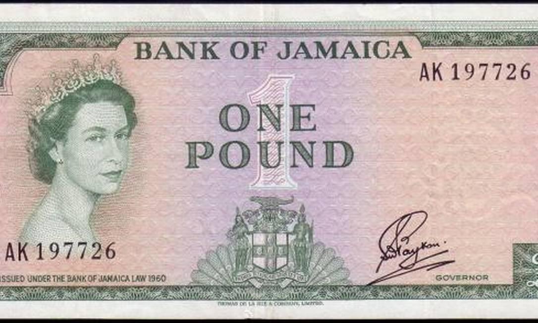 Ao assumir o trono, em 1952, aos 26 anos, proliferaram notas com o rosto da rainha em toda a Commonwealth. Uma das mais interessantes é esta, da Jamaica Reprodução