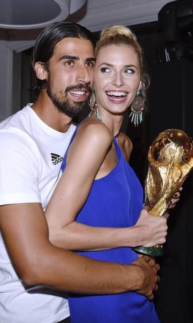 """A loura estonteante tem 26 anos e ficou famosa na Alemanha, em 2006, por vencer o reality show """"Germany's Next Top model"""", que procura novas modelos Markus Gilliar / AP"""