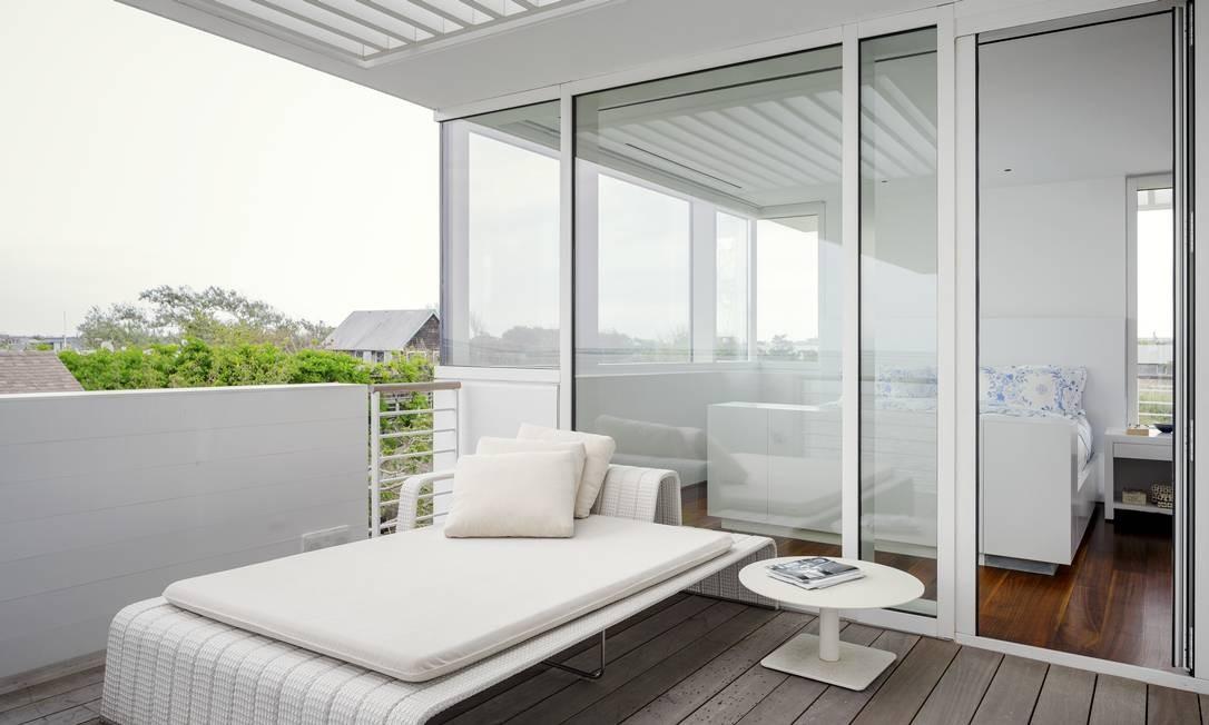 A varanda da suíte oferece espaço para relaxar Foto: TREVOR TONDRO / NYT