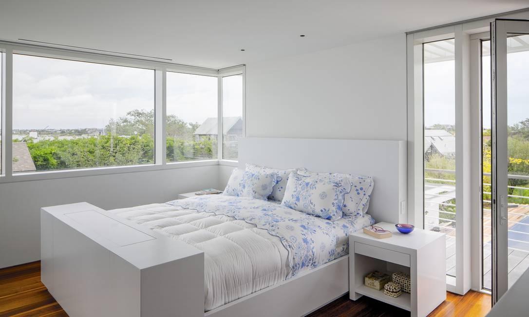 A cama no quarto do casal também foi desenhada por Richard Meier Foto: TREVOR TONDRO / NYT