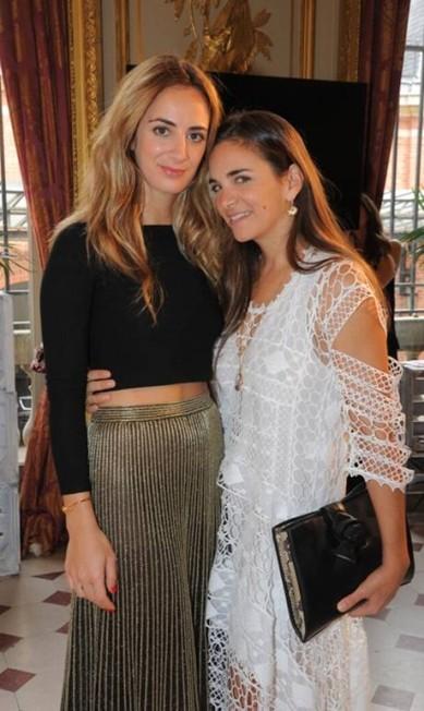 Alexia Niedzielski com Laure Hériard Dubreuil, dona da multimarcas de luxo The Webster Divulgação