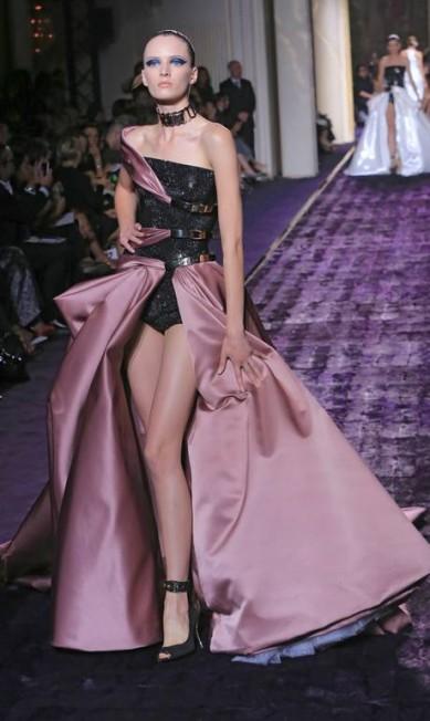 Atelier Versace Jacques Brinon / AP