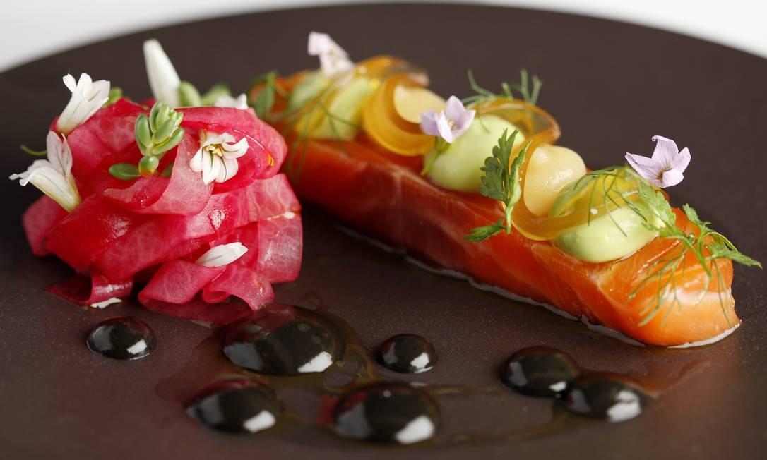 O salmão escocês da Eddrachillies Bay, no restaurante Pollen Street Social: ingredientes da estação, com origem controlada Divulgação