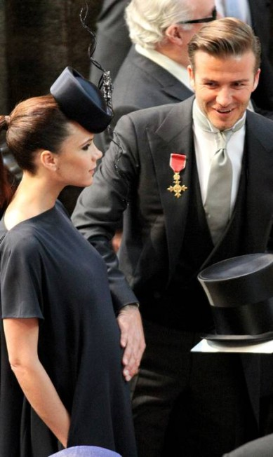 Em 2011, Victoria, grávida de Harper, e David no casamento do príncipe William com Kate Middleton. Mais uma vez, eles roubaram a cena JON BOND / AP