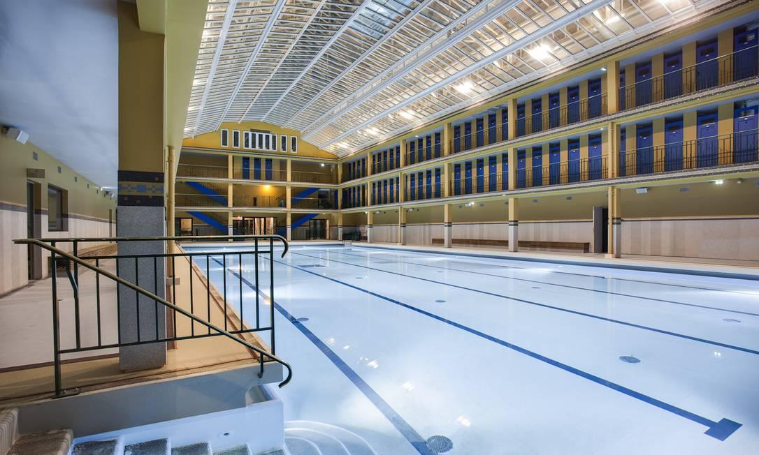 A piscina de inverno, aquecida e fechada Divulgação