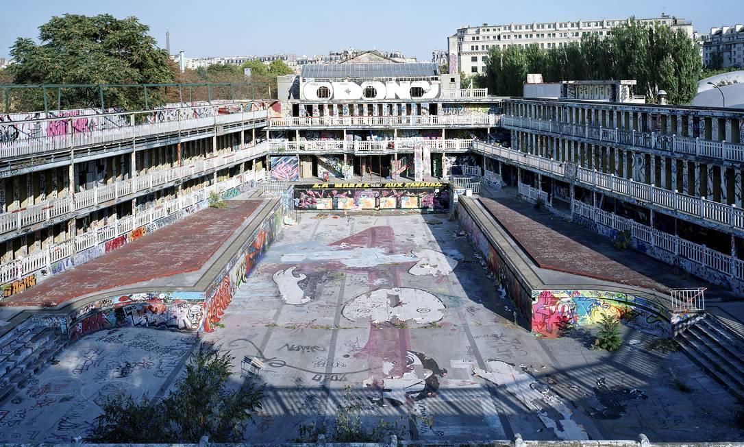 A antiga piscina tomada por grafite: durante três décadas, prédio era invadido por artistas de rua Thomas Jorion / Thomas Jorion