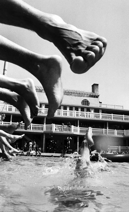 Banhistas em 1985, um pouco antes da piscina fechar Gilles Rigoulet / Gilles Rigoulet