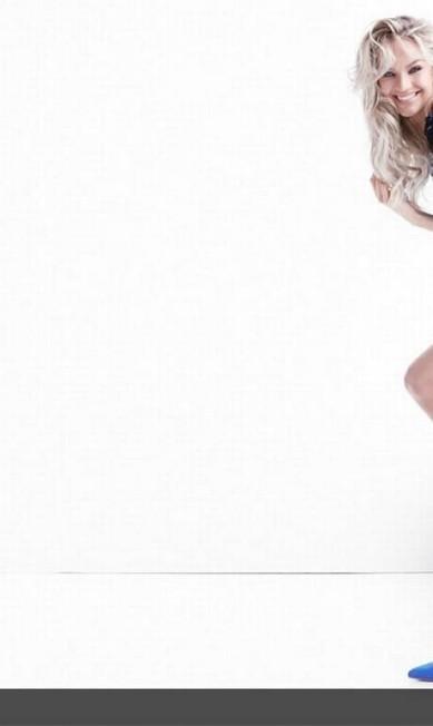 Candice também colocou as pernas de fora na sessão de fotos Divulgação